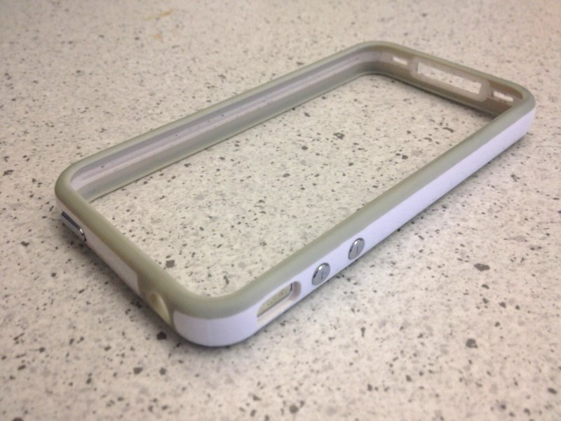 3/4 view of the knock off iPhone bumper case.